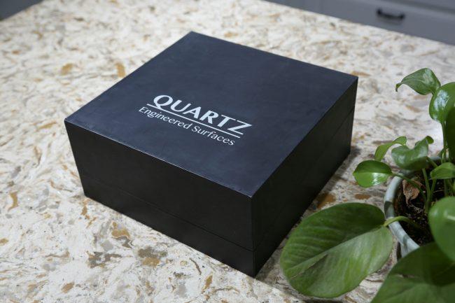Flip sample box case for customized quartz sample